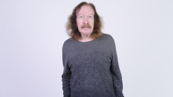 videa staršího muže