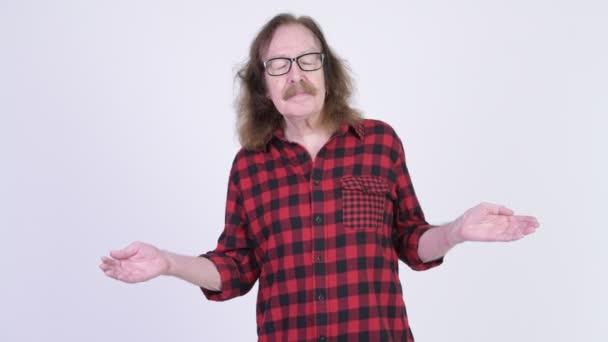 glücklich Senior Hipster Mann entspannt mit geschlossenen Augen