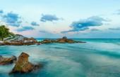 Tramonto al mare blu dei Caraibi nella penisola dello Yucatan, Messico