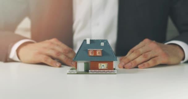 Immobilienversicherung und Sicherheitskonzept
