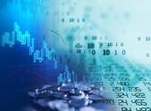 Dvojitá expozice obrazu akciového trhu investiční graf a mince zásobníku, koncepce obchodních investic a obchodování na burze budoucí