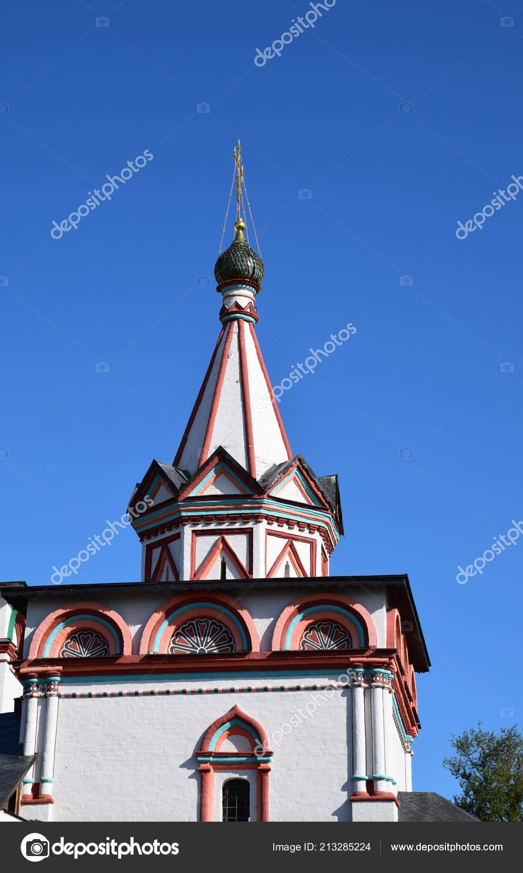 Саввино-Сторожевский монастырь был основан в 1398 году монах Савва вблизи  города Звенигород. Россия, г. Звенигород, августа 2018 — Фото автора ...
