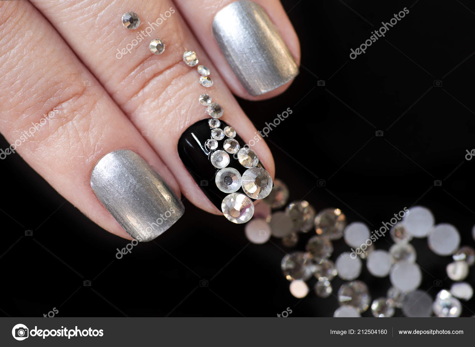 Black Silver Manicure Short Nails Design Scattering Rhinestones