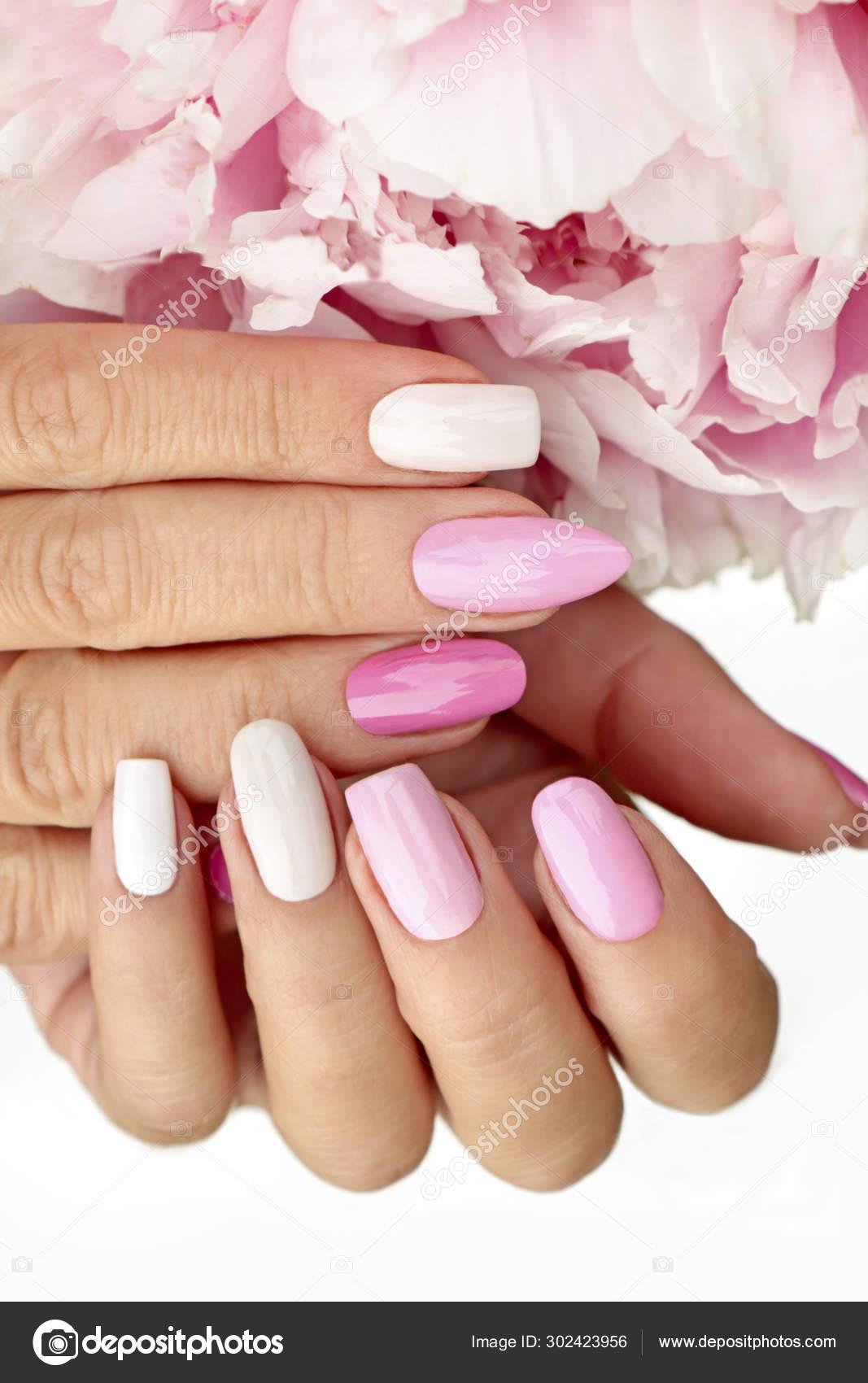 Manicura Color Rosa Claro Pastel Varias Formas Uñas Con