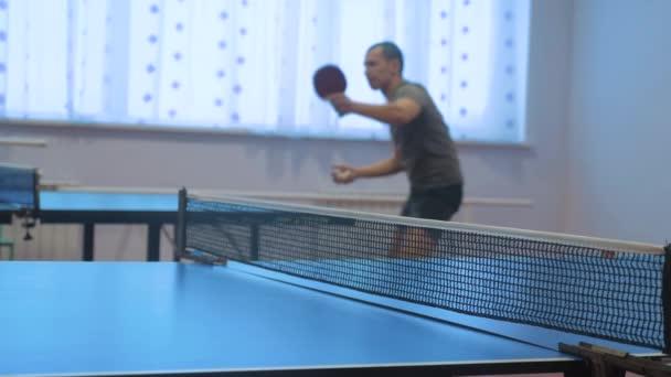 asztalitenisz fonák fogalmát. homályos összpontosít ember életmód játék képzés asztali tenisz a sport aktív