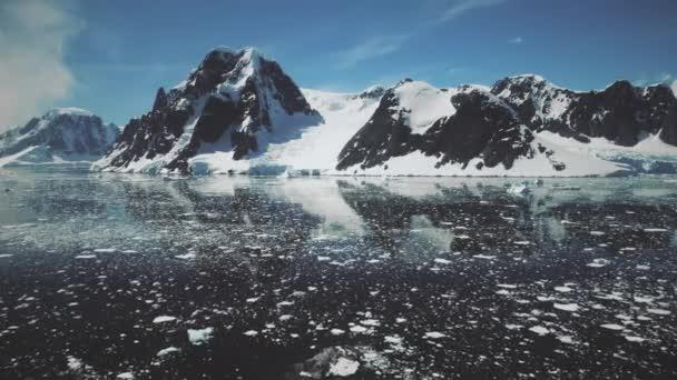 Antarktische Lemaire Kanal Wasseroberfläche Drohne Ansicht