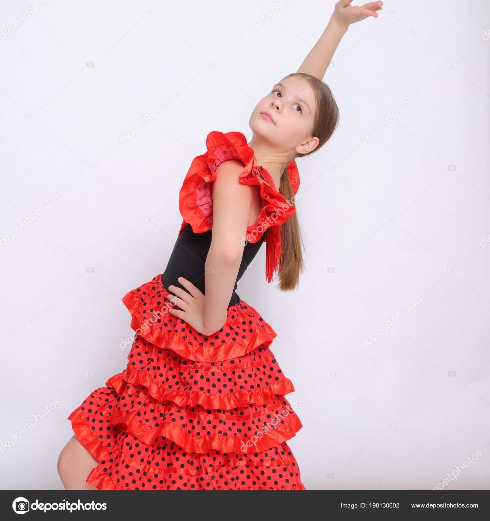 Image Studio Adolescente Europeenne Comme Une Danseuse Flamenco