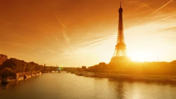 hyper lapse Eiffel tower, Paris. France