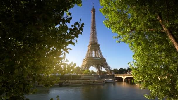 Seine a Parigi con la Torre Eiffel, Francia