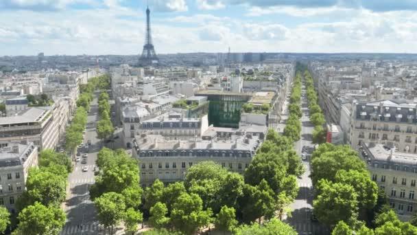 vista panoramica di Parigi, degli Champs Elysees e della Torre Eiffel