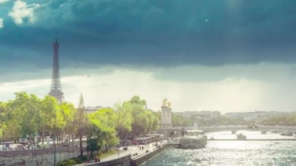 hyperztráta, most Alexandrova III a Eiffelova věž, Paříž, Francie