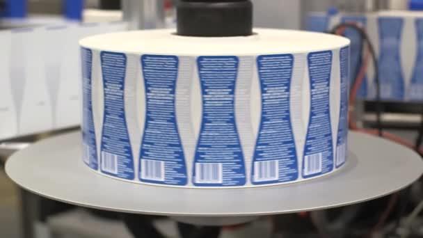 balení a etiketování páska