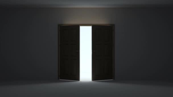 Egy ajtónyitás a sötét szobába, ragyogó fénnyel