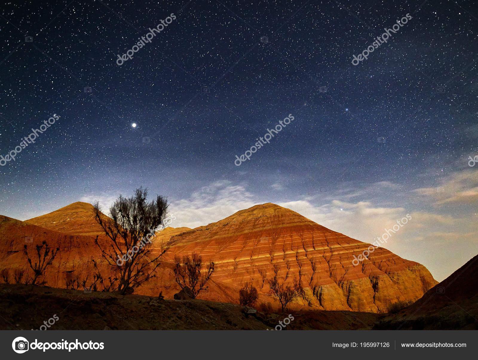 Cielos Estrellados Reales Montañas Rojo Cañón Del Desierto Fondo
