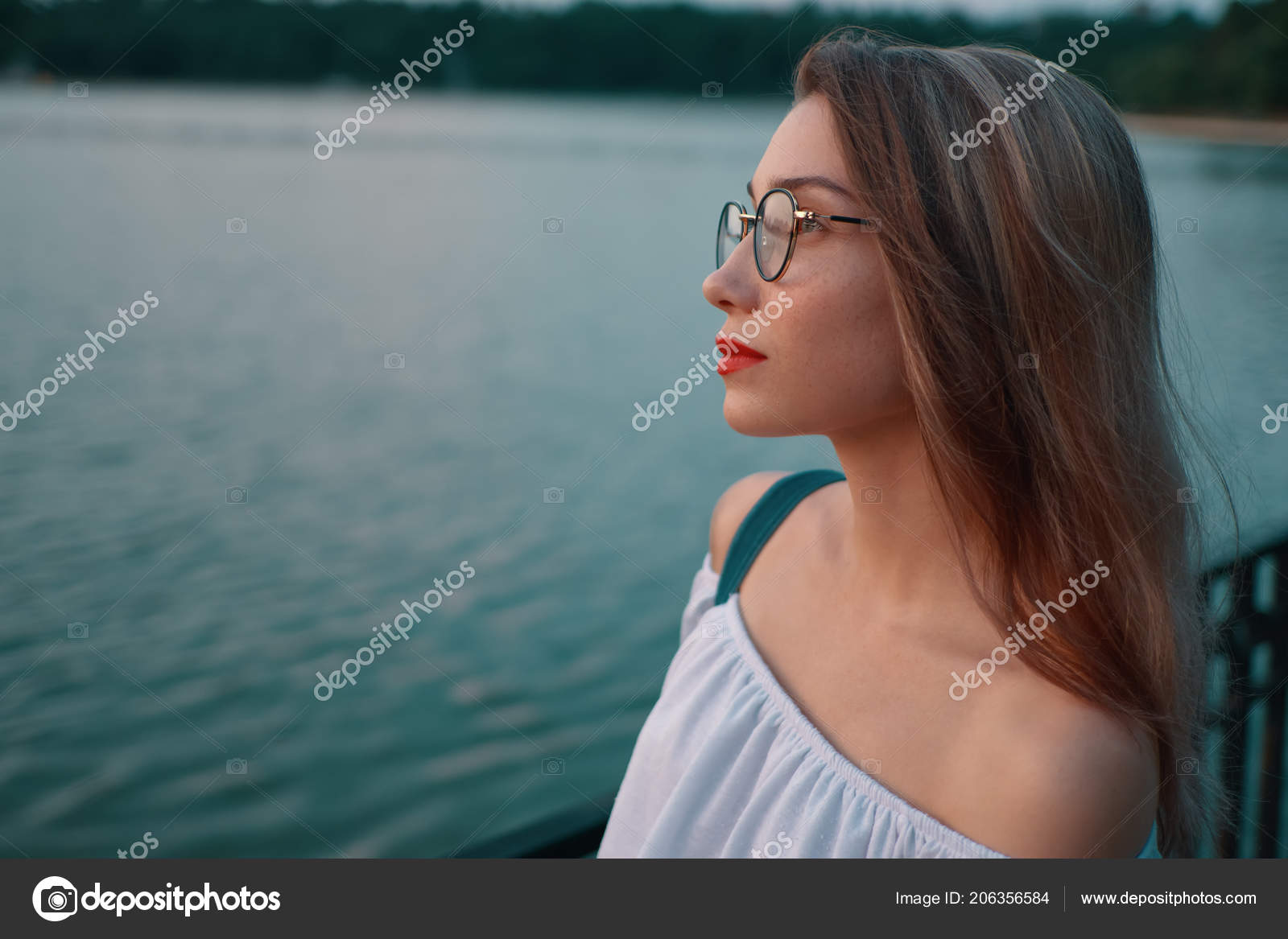 awesome profile pic for girl