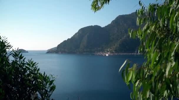 Krásné turecké moře a horské krajině nedaleko Marmaris