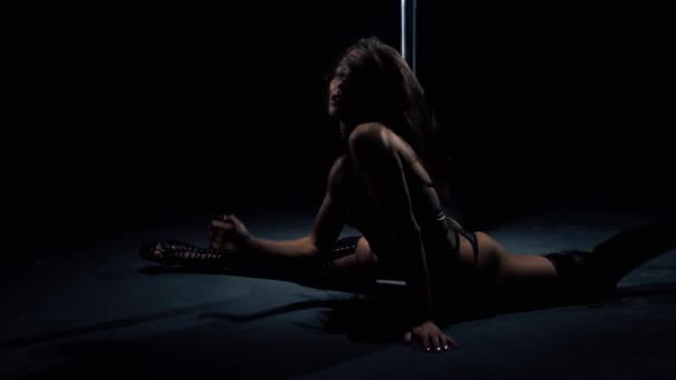 Girl in bdsm lingerie video in the dark