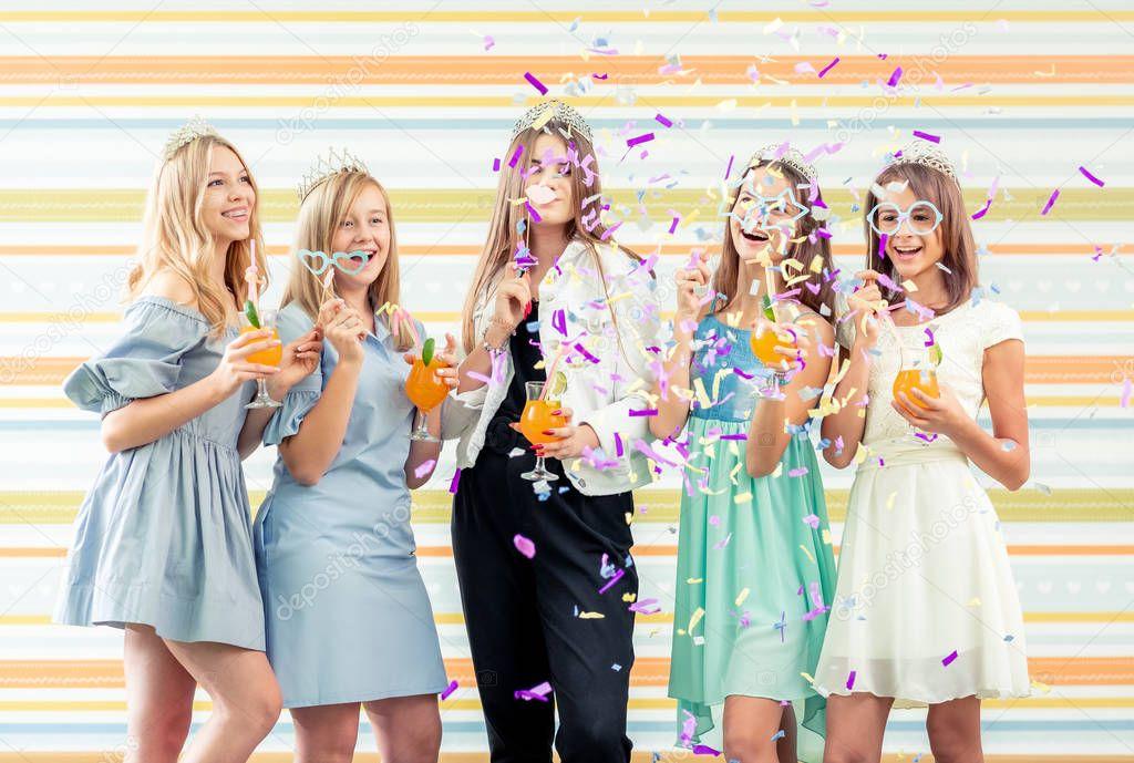 teen-girls-in-huddersfield