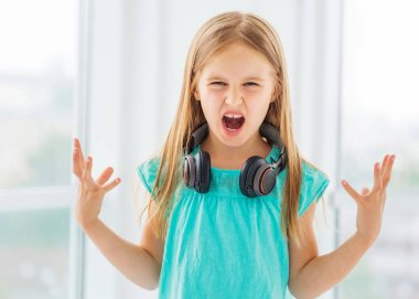 Little girl has some talent in vocal and acting
