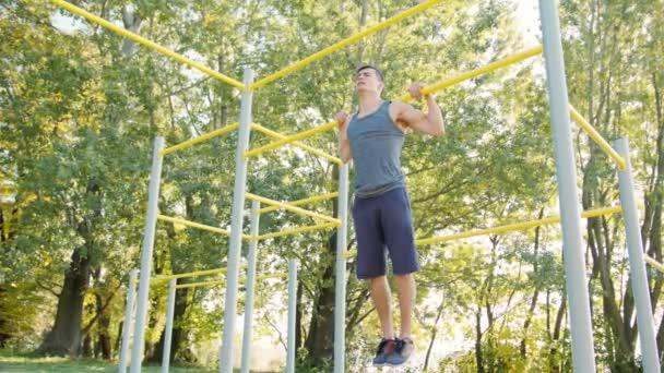Železo krk Hold na cvičení