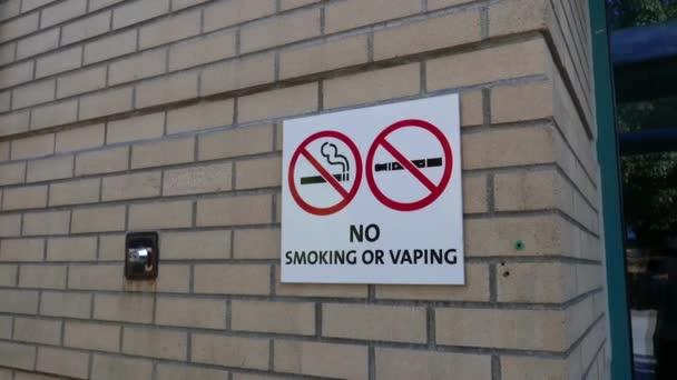 Bewegung der Nichtraucherbereich einschließlich elektronischer Zigaretten Schild an der Wand