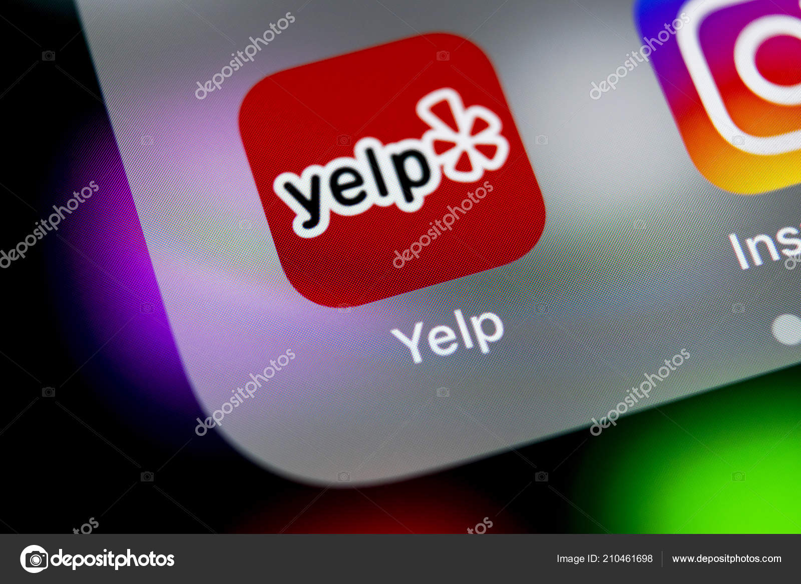 Sankt Petersburg Russia August 2018 Yelp Application Icon