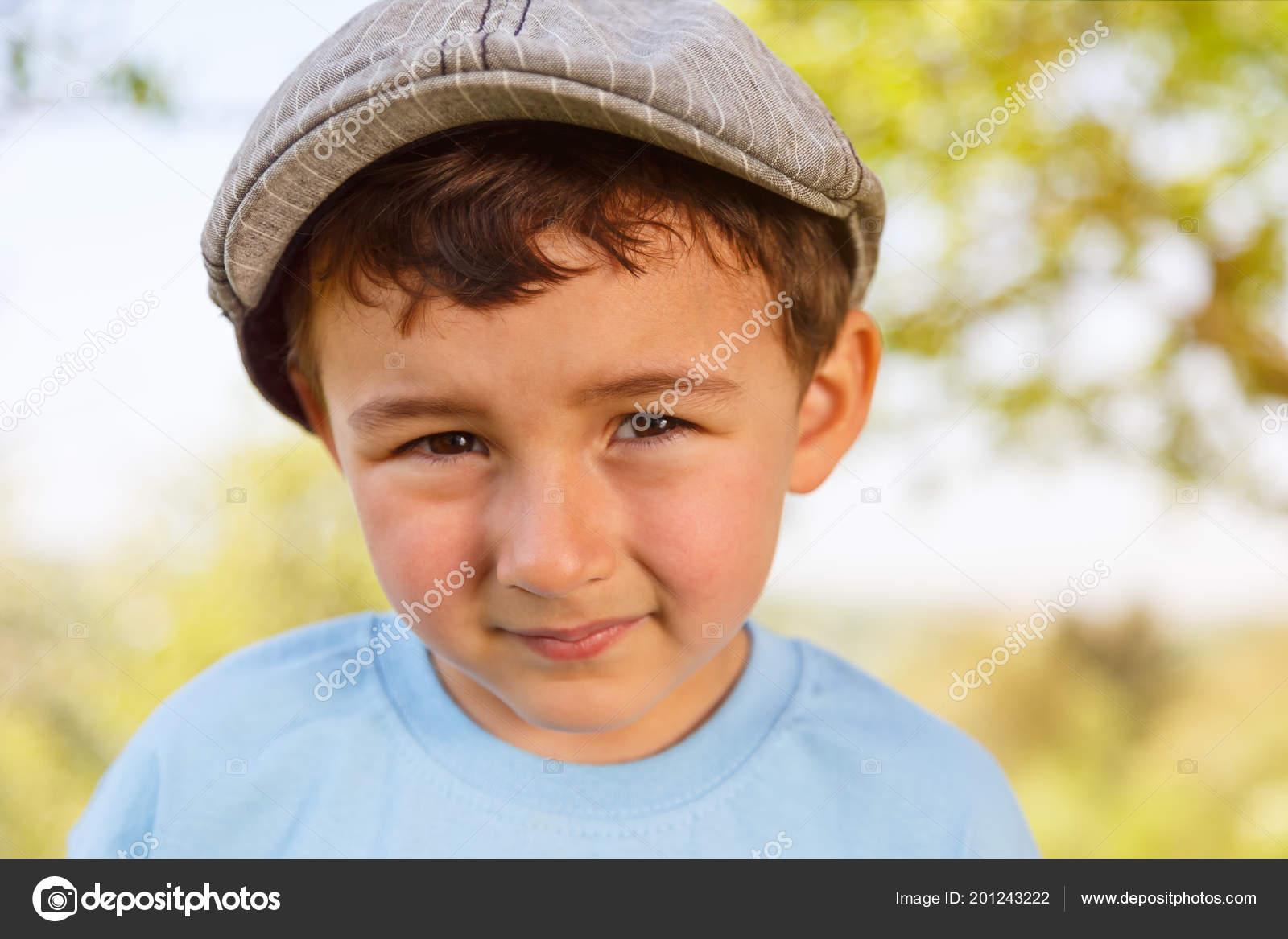 df66cbc816e5 Portrait Child Kid Little Boy Cap Outdoor Face Outdoors Nature — Stock Photo