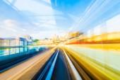 Fotografia Velocità di movimento in traforo della strada autostrada urbana