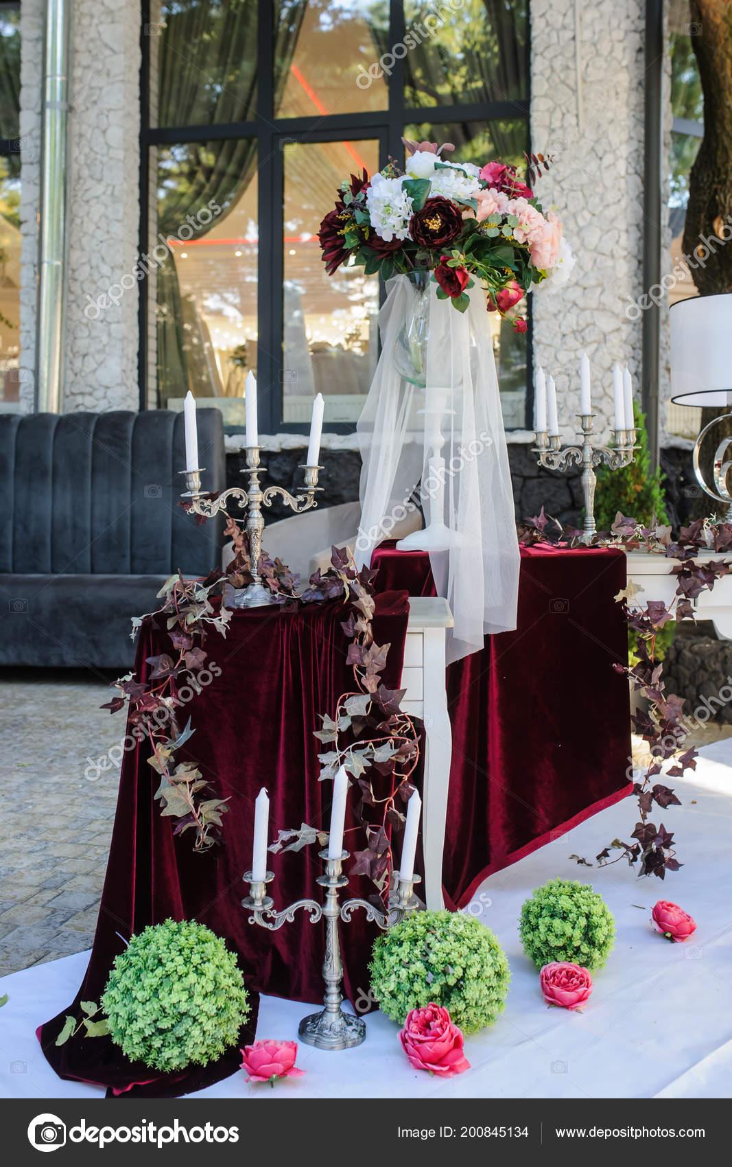 Wedding Decoration White Vintage Style Red Claret Flowers Ranunculus
