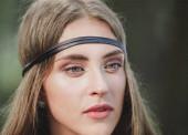 közelről. az arca egy szép fiatal hippi nő