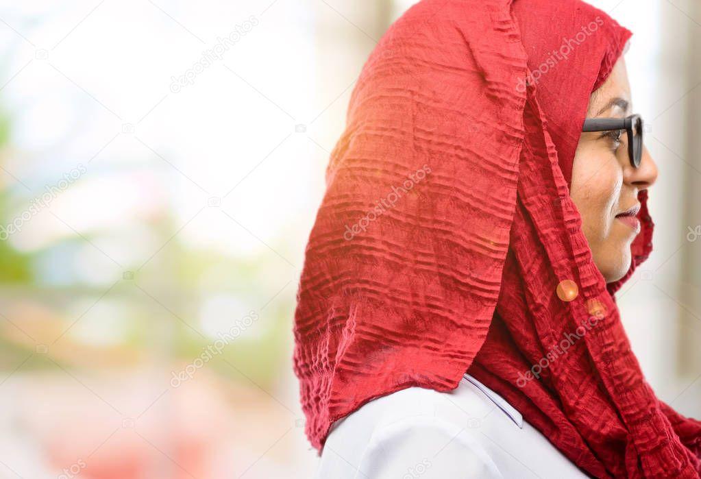 Молодая арабка делает счастье — photo 13