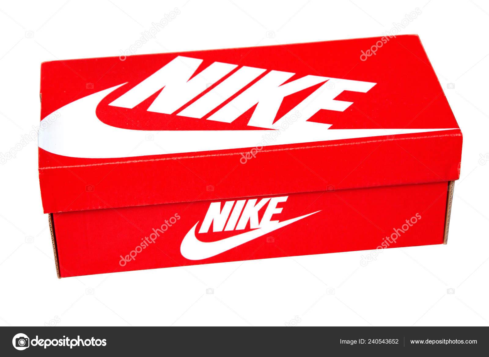 9e6ac6c9524 Κισινάου, Μολδαβία 26 Ιουνίου 2018: Nike παπούτσια κουτί που απομονώνονται  σε λευκό φόντο. Nike είναι ένας από τους παγκόσμιους μεγαλύτερους  προμηθευτές ...