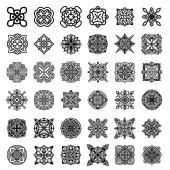 Sbírka černých monochromatických ornamentů na bílém pozadí