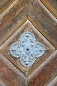 Fotografie Das Foto wurde in der alten deutschen Stadt Straubing. Das Bild zeigt die Dekoration von der alten Tür zur Kapelle