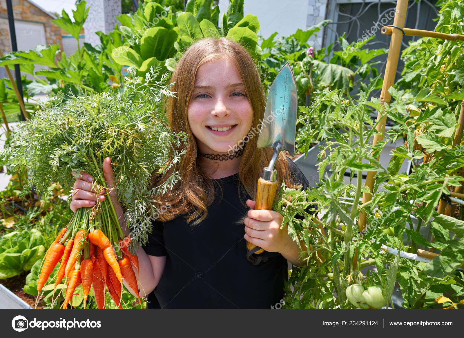 Blond Girl Harvesting Carrots Urban Orchard Field — Stock Photo