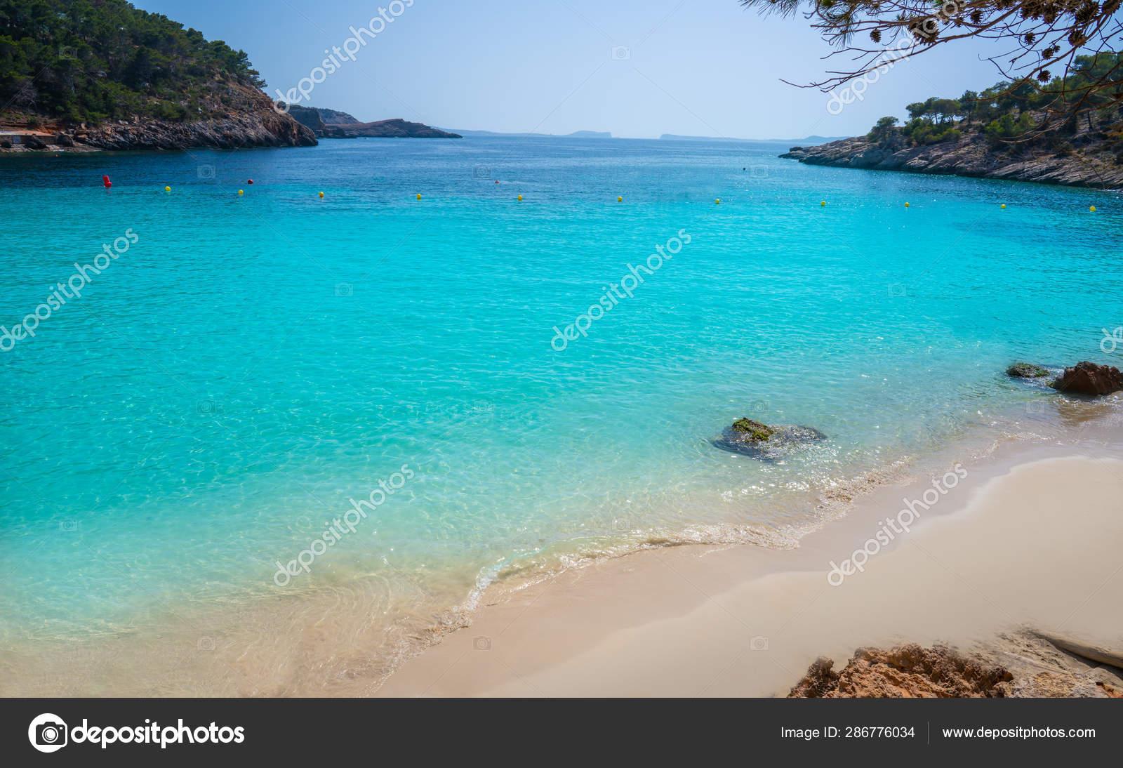 Ibiza Cala Salada and Saladeta in Balearics — Stock Photo