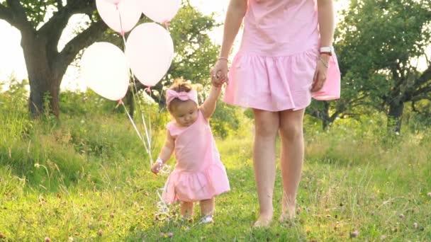 Anya és lánya az azonos ruhák
