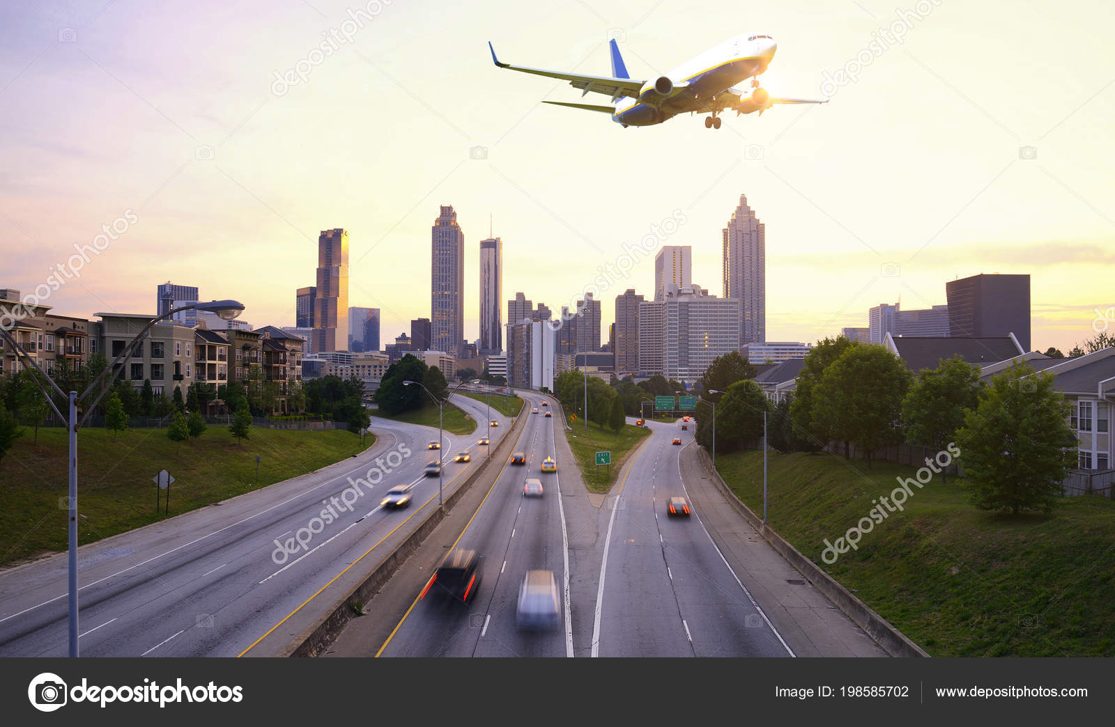 Airplane Flying Atlanta Skyline Georgia Usa Stock Photo C Katy89 198585702