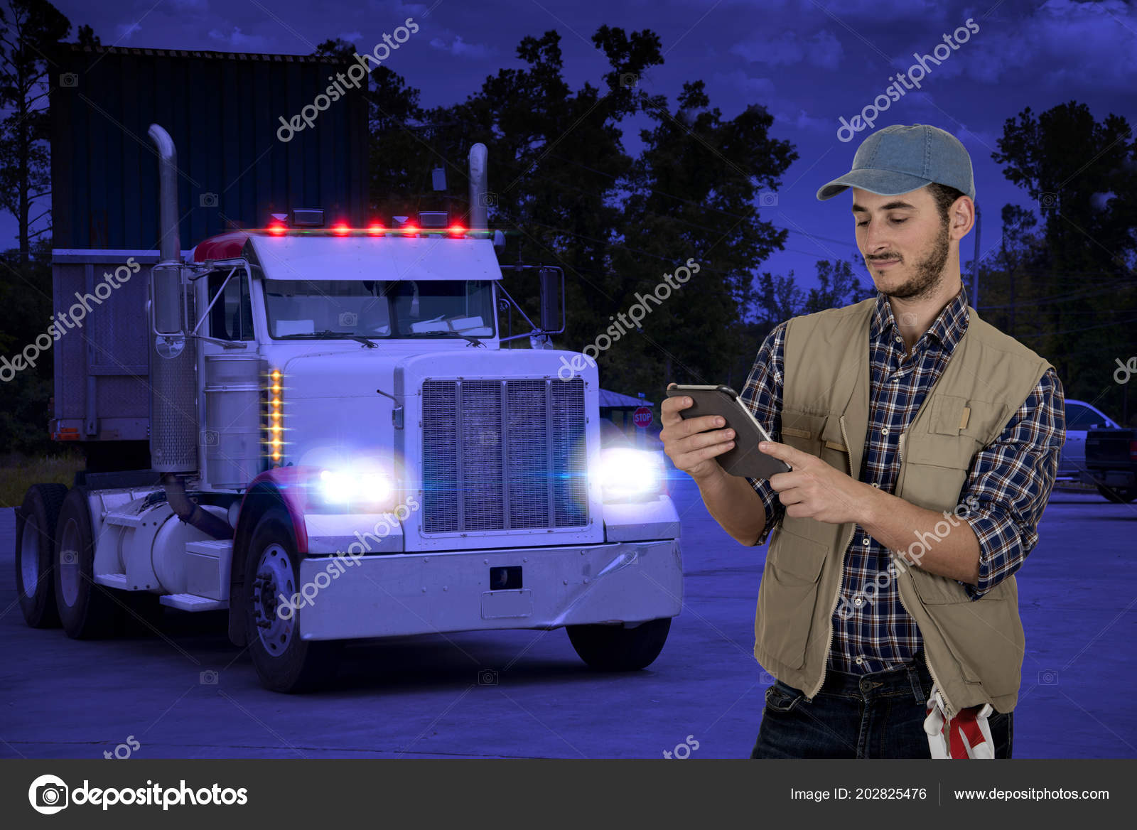 af513edc89 Young Man Truck Driver Traveling Night — Stock Photo © katy89  202825476