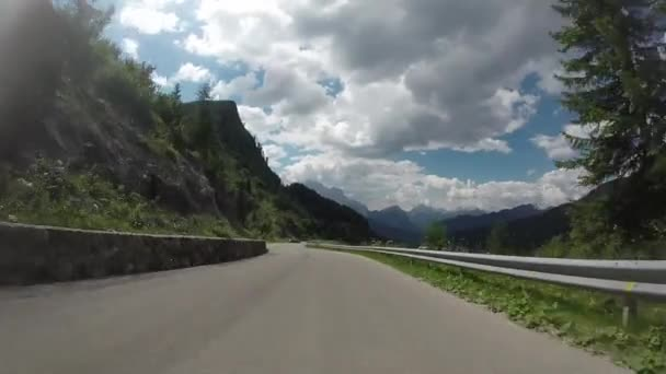 Cestování v pohoří Alpy Dolomity