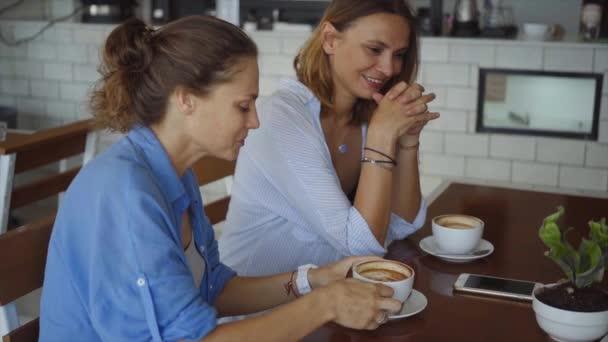 Лесбиянки кафе
