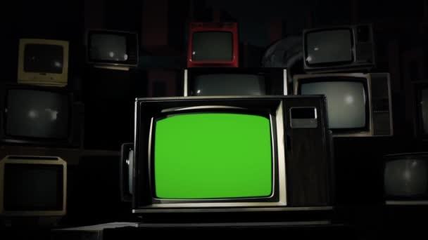 Vintage Tv zöld képernyő-val sok 1980-as TV-vel felszerelt kész helyett zöld képernyő felvétel vagy képet szeretne. Meg tudod csinálni a beírása (Chroma Key) hatása az Adobe After Effects.