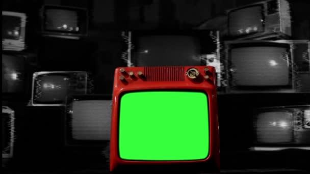 Régi piros Tv zöld képernyő közepén sok TV zaj-háttérrel. BW hang.