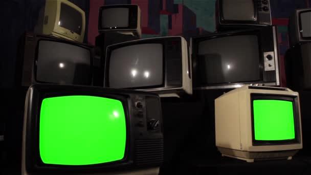 80-as években a Green Screen Tvs. Párhuzamos Dolly lövés. Készen áll a zöld képernyő cseréli a felvételeket, vagy a kép ön akar. Meg tudod csinálni után hatása hatállyal beírása (Chroma Key). Full Hd.