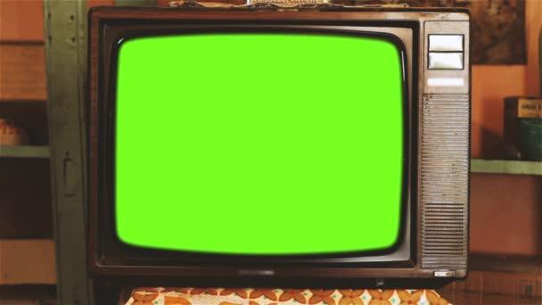 80stelevision se zelenou obrazovkou. Estetika 80. Program Kodak Tone. Zelenou obrazovku můžete nahradit záběrů nebo obrázkem. Můžete to provést s efektem klíče po efektů (rezervovat kurzy na YouTube).
