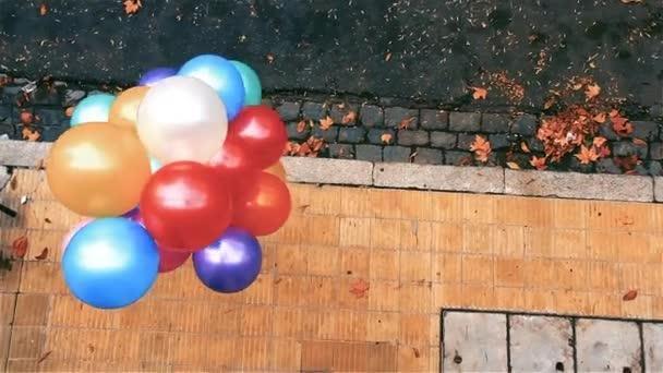 Barevné heliové balónky, dětské svátky.