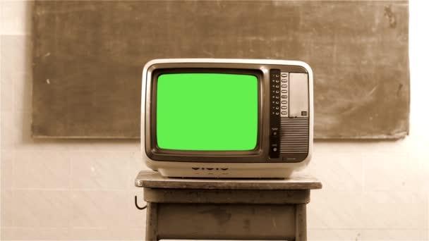 80-as évek televízió Green Screen egy iskolában. Szépia Tone. Dolly lövés.