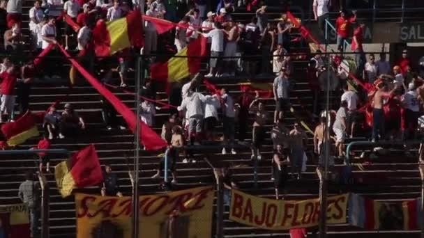Támogatók sokasága Buenos Aires-ben, Argentínában.