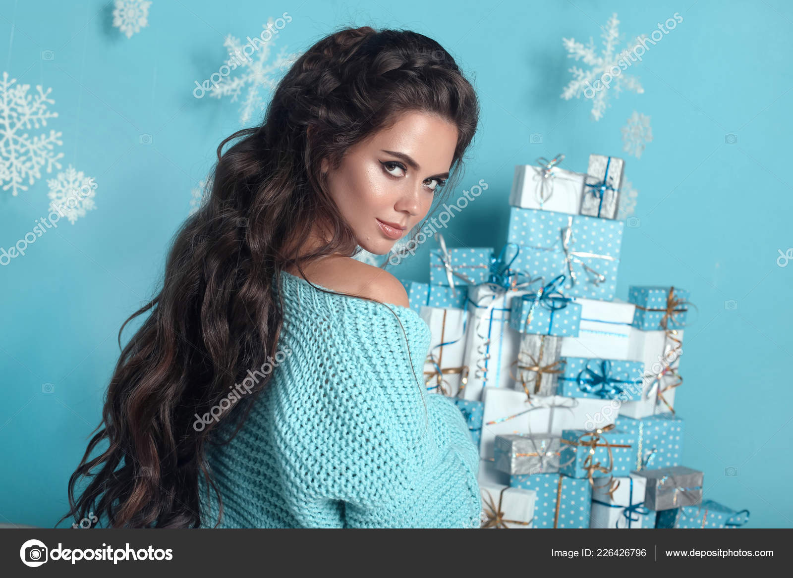 Christmas Hairstyles For Black Hair.Christmas Hairstyle Portrait Attractive Woman Wedding Wavy
