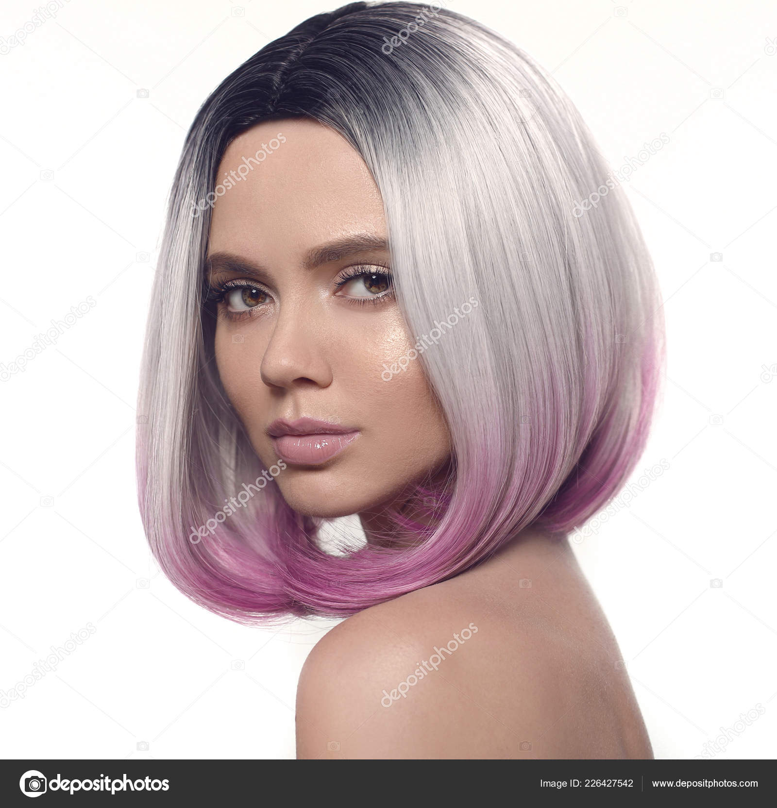 Ombre Bob Frisur Madchen Portrat Schone Kurze Haare Farben Trendige